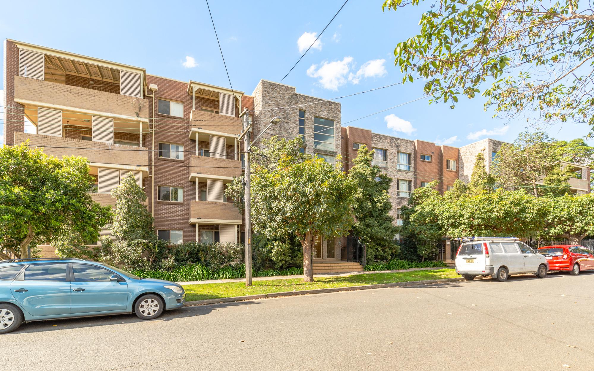 23/11-19 Mandemar Avenue, Homebush West