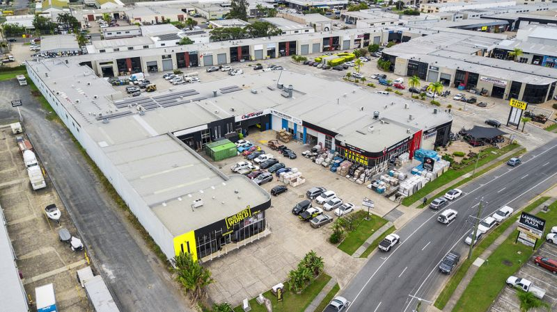 Strategically Positioned High Exposure Showroom / Warehouse - This Will Not Last Long!!