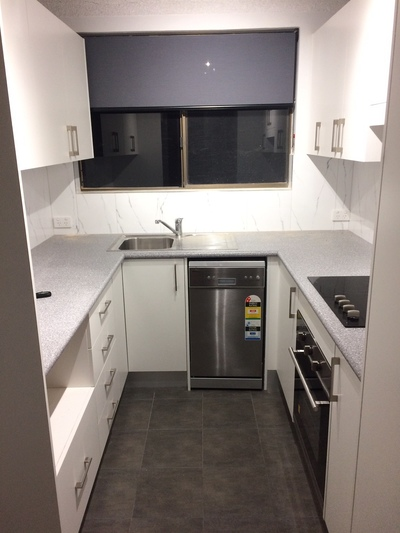 Modern Renovated 2 Bedroom Unit - Central Location