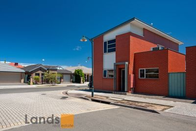 Brilliant Three Bedroom Freestanding Home in Mawson Lakes