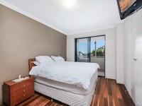 Spacious double brick 5 Bedroom...