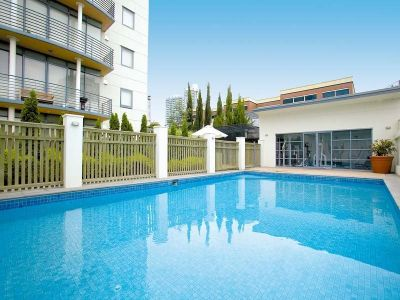 Southbank Royale - Large Double Story Apartment!