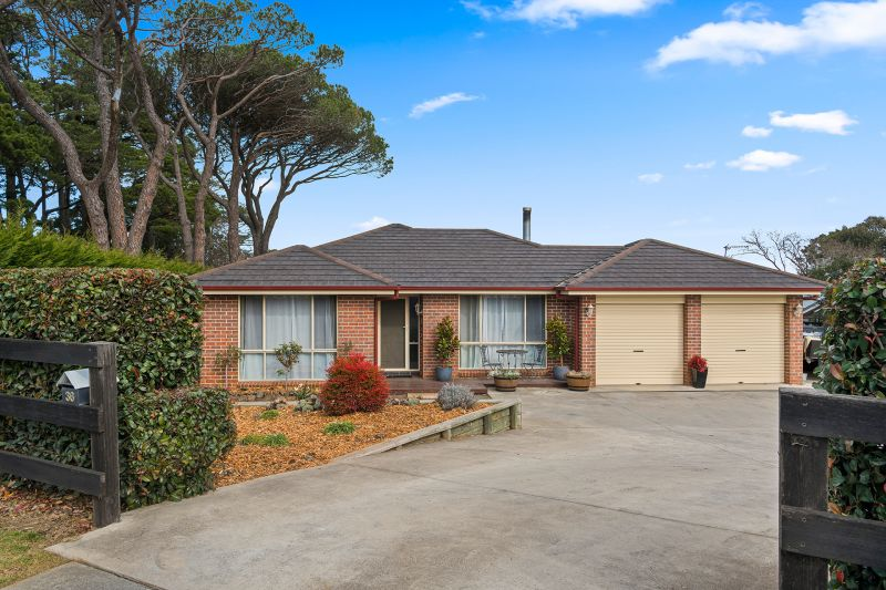 Fantastic Family Home with so many options