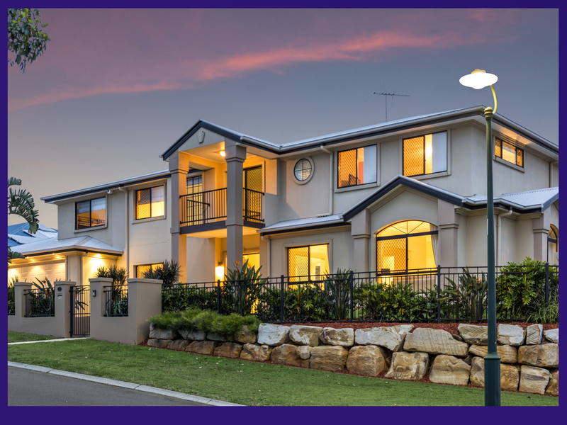 A Huge Family Home with 7 Large Bedrooms!
