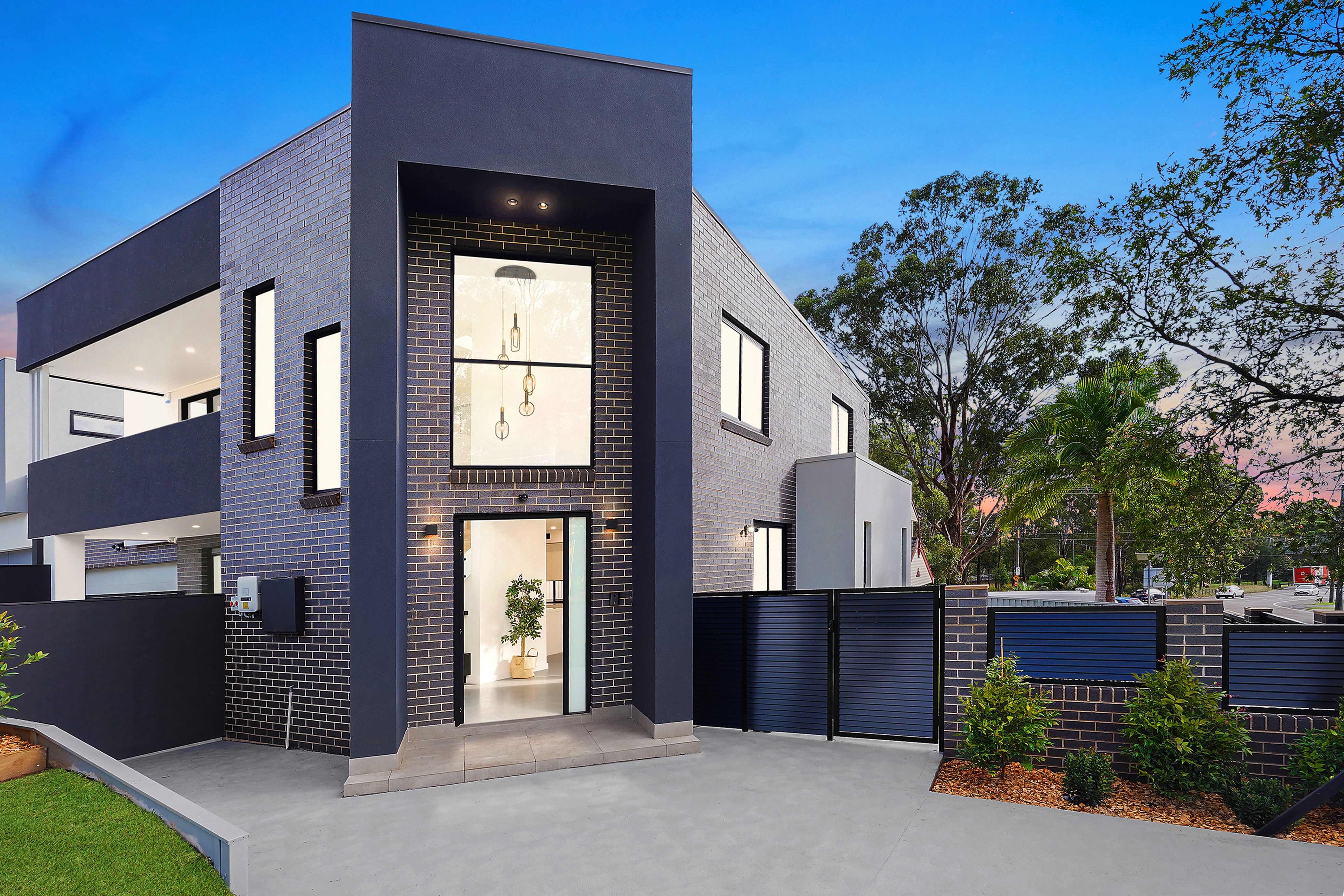 6 Georges Crescent, Georges Hall NSW 2198