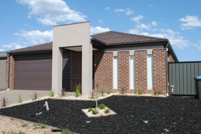 6 Vicky Court: Your Search Ends Here!