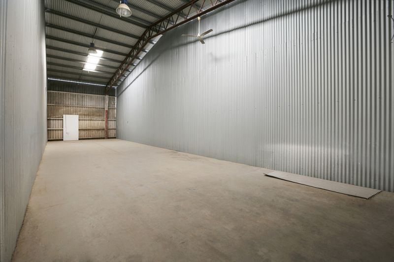 500m2 Warehouse With Office