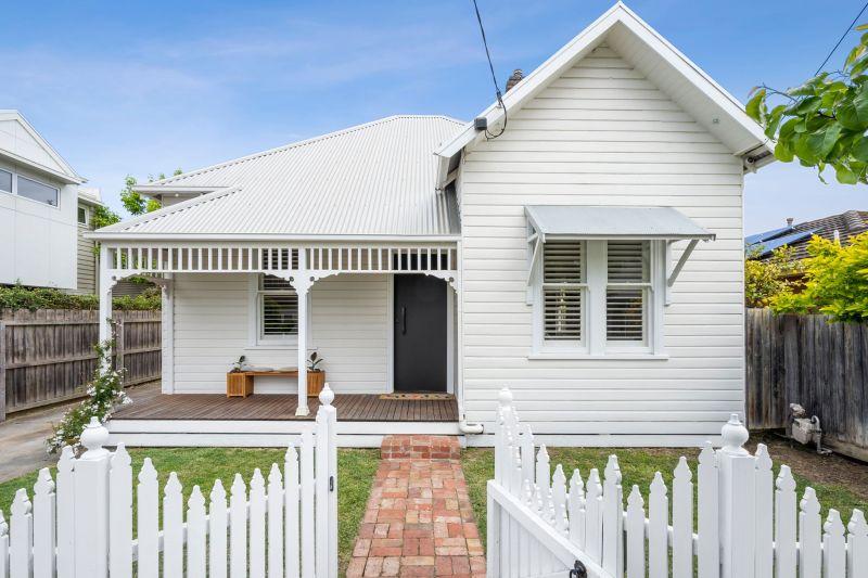 15 Collins Street, Geelong West