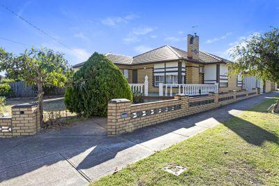 Retro Home to Restore, Rent or Rebuild