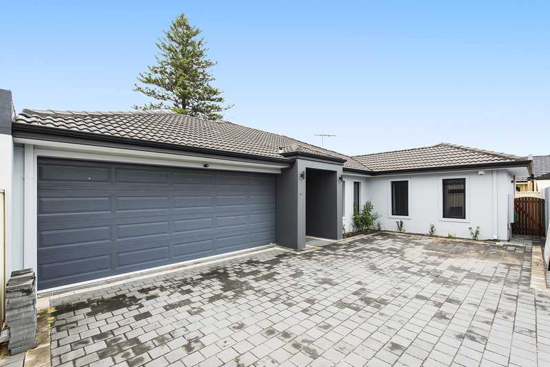 LARGE FAMILY HOME AVAILABLE NOW