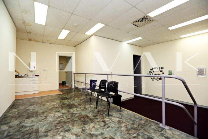 228 SQM OF COMMERCIAL SPACE IN PRIME LOCATION FOR LEASE