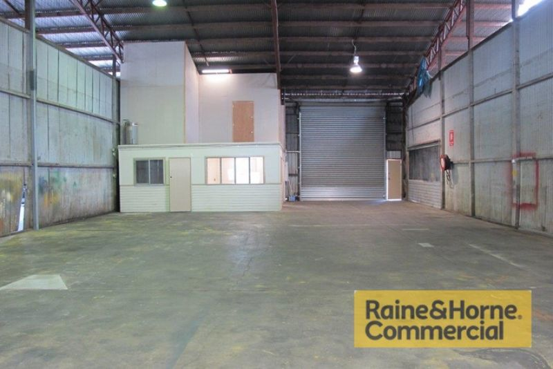 Cheap & Affordable Rocklea Unit – Just off the Ipswich Mwy