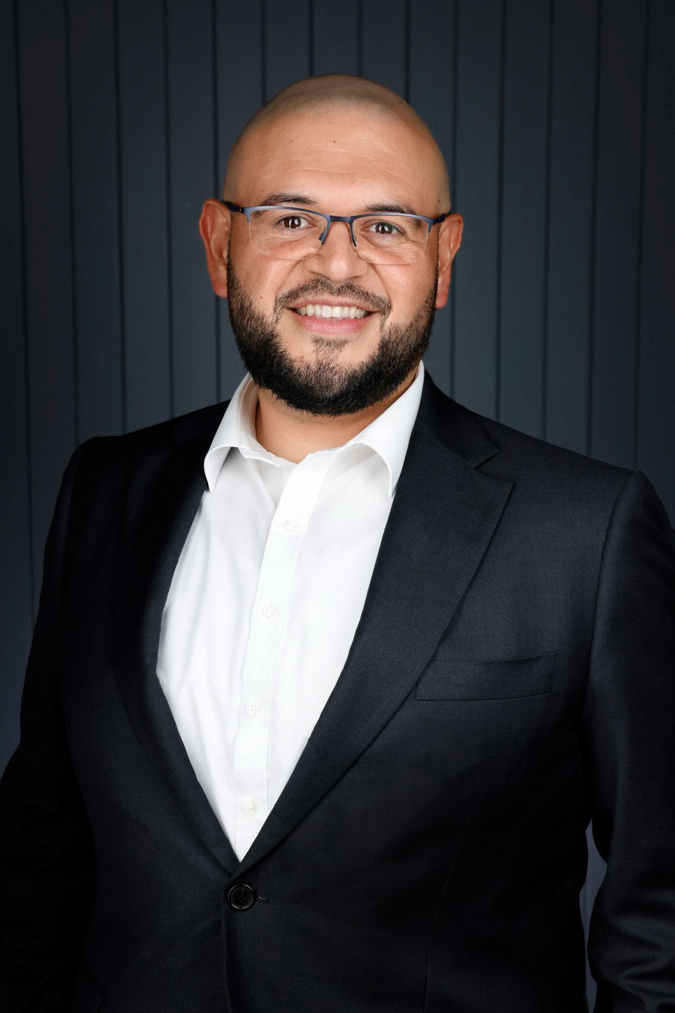 Sebastian Viteri Real Estate Agent