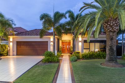 Breathtaking Lowset Waterfront Home