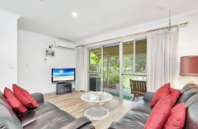 Walk to the Beach!  - furnished townhouse