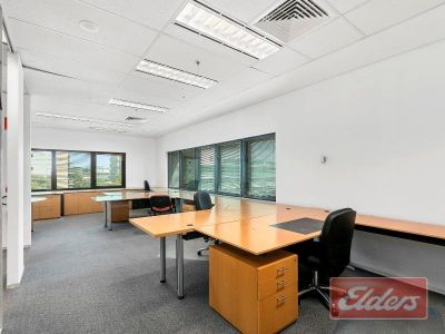 CENTRAL SOUTH BANK PREMIUM TENANCY - FULLY FITTED OUT!