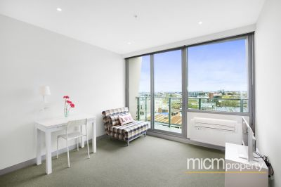 Flagstaff Place: Two Bedroom Apartment with Whitegoods Included!