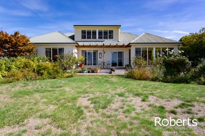 16 Spring Grove, Youngtown