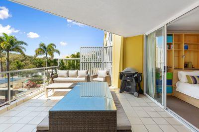 Indoor - Outdoor Living At Its Best!