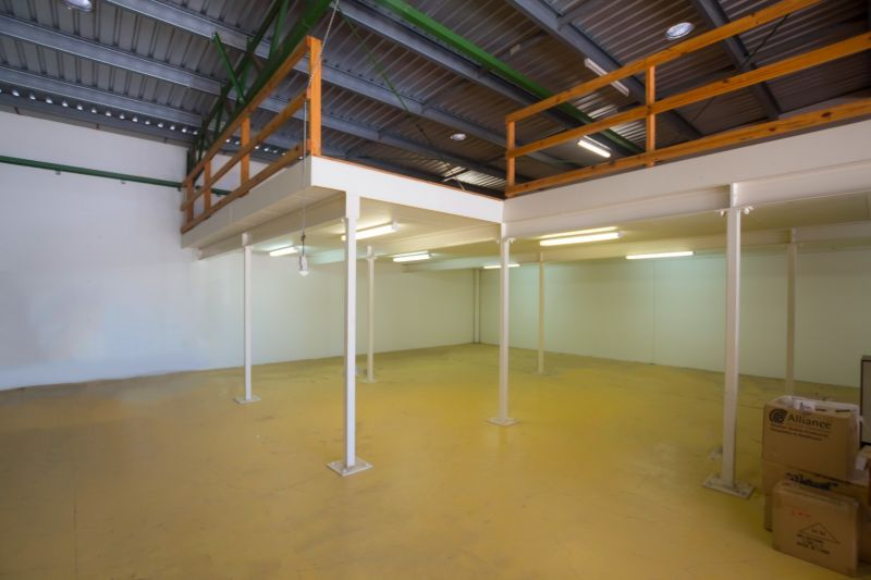 Practical, Clean & Tidy Industrial Unit in Kunda Park | Vacant Possession