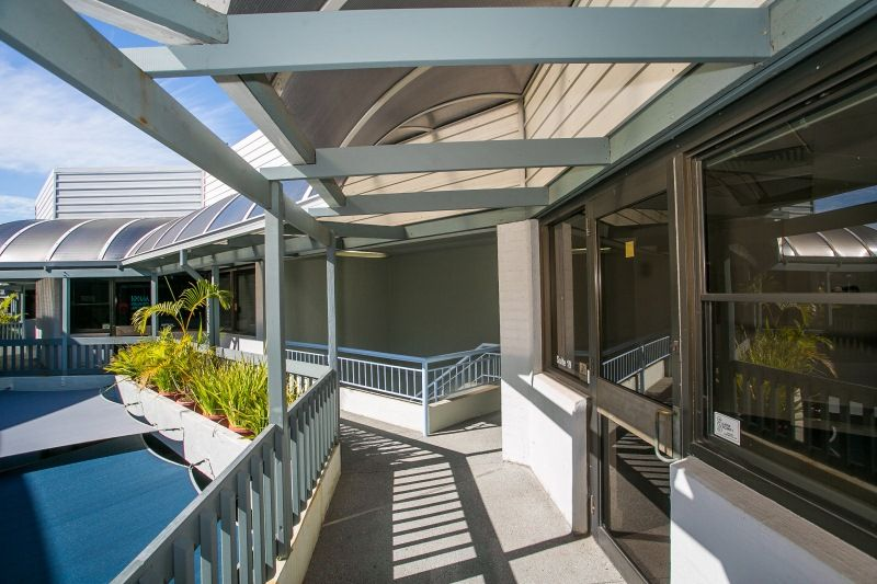 STREET FRONT OFFICE WITH LARGE BALCONY – GREAT NATURAL LIGHT - FULLY PARTITIONED