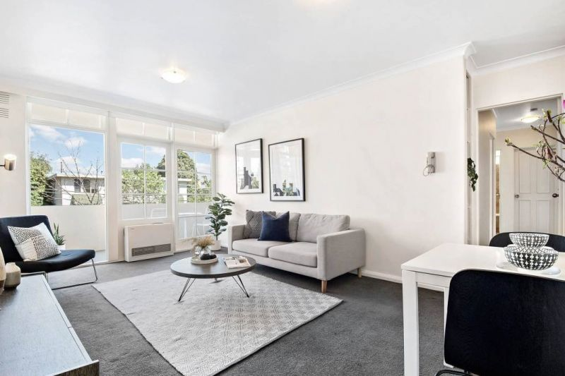 Classic elegance in coveted South Yarra position
