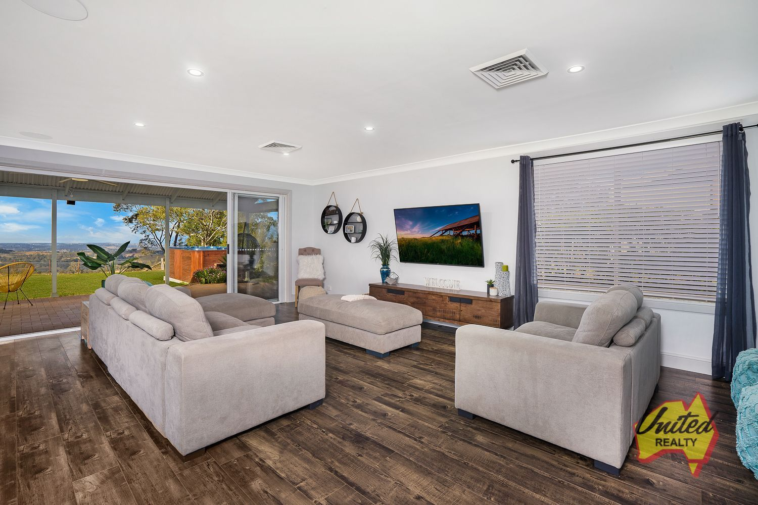 11a Browns Road The Oaks 2570