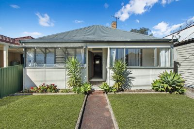 AN IDEAL FAMILY HOME - PRIVATE AND CONVENIENT