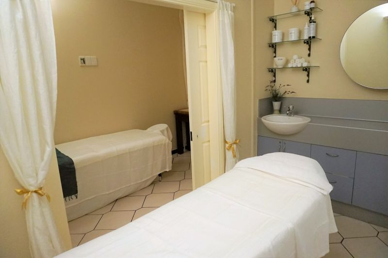 Beautifully Presented & Move In Ready Day Spa In Dockside Hotel Retail Precinct