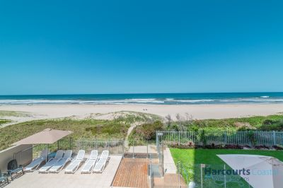 Absolute Beachfront 3bed - Must be Sold