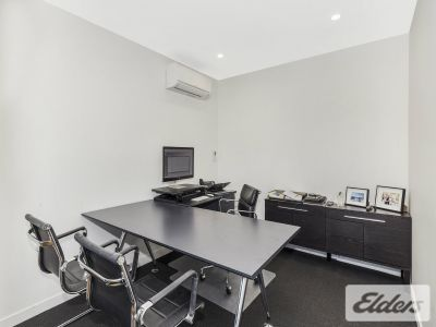 TIDY QUALITY OFFICE IN THE HEART OF ROSALIE!