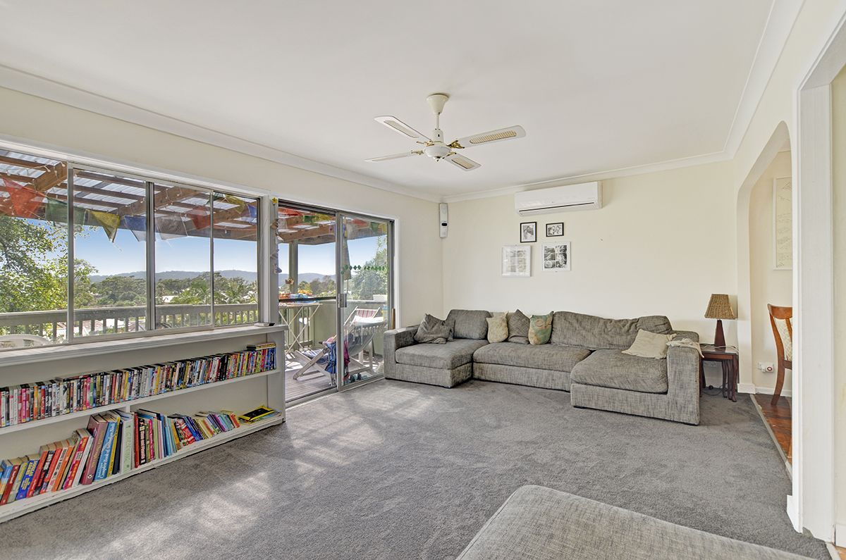 35 Hillcrest Road Empire Bay 2257
