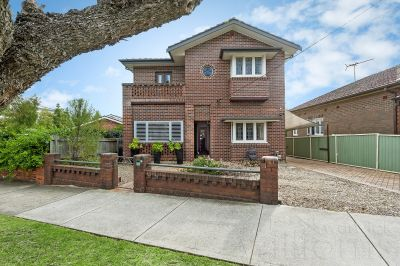 Ideal multi-generational family home with emphasis on entertaining