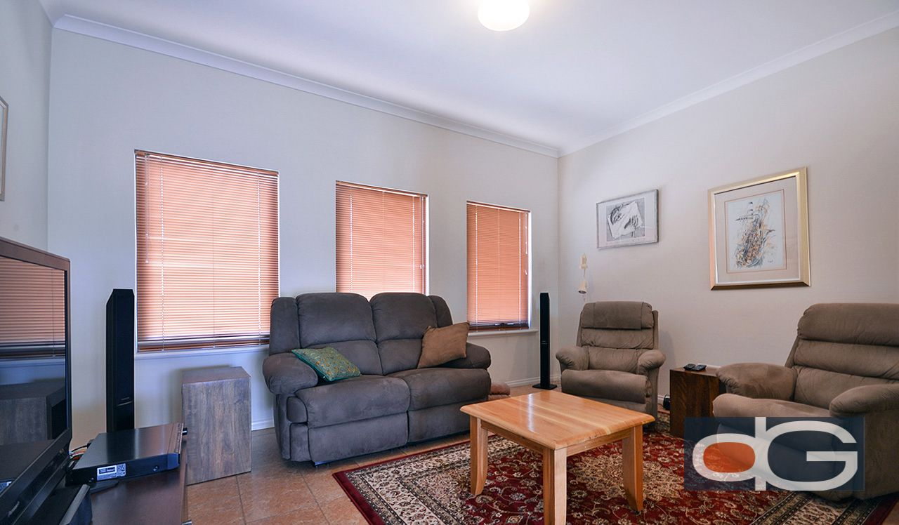 2/156 Holland Street, Fremantle
