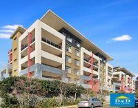 Huge Luxury 2 Bedroom Apartment. Beautiful Views. 5 Minute Walk to Merrylands Shops and Station. Holroyd Gardens Exclusive Estate