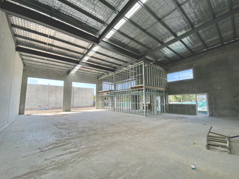 Brand New Business Park With Exposure To Main Drive - Occupy This Month