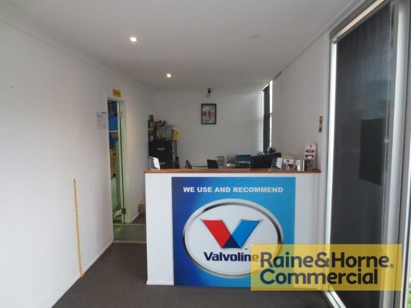 250sqm Well Presented Front Industrial Unit