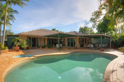 BEAUTIFUL FAMILY HOME IN ROBINA QUAYS