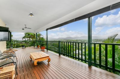 Magnificent Legal Height Queenslander With Sensational Views
