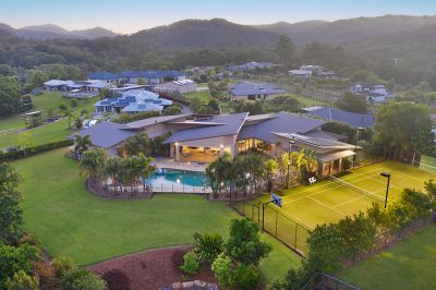 DEFINITELY THE GOLD COAST'S BEST ACREAGE LIFESTYLE PROPERTY - WITHIN MINUTES TO BEST BEACHES & BEST SCHOOLS