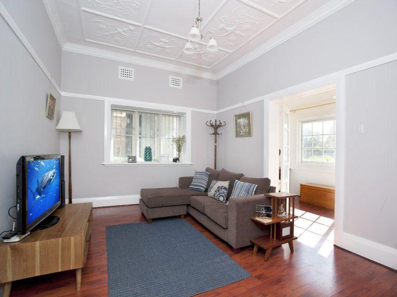 HOUSE-SIZED ART DECO APARTMENT