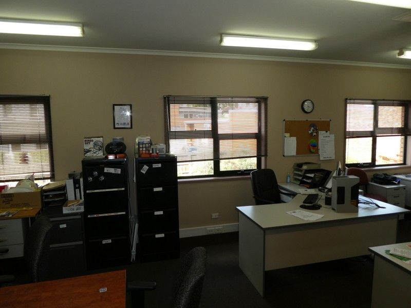 Comfortable Office Space with Parking