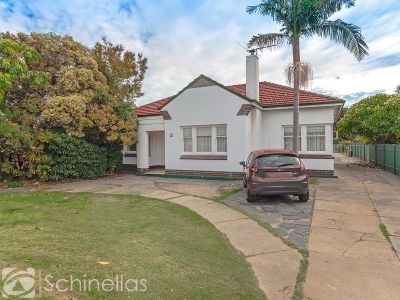 OPPORTUNITY KNOCKS - HOME ON 1,043 SQM (APPROX) OF LAND!