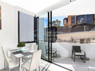 Rare 1-Bedroom Apartment plus Study nook in Maxwell Place, Harold Park