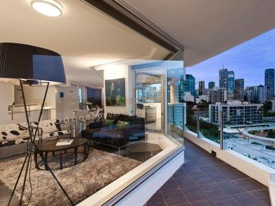 FULLY FURNISHED LUXURY APARTMENT!