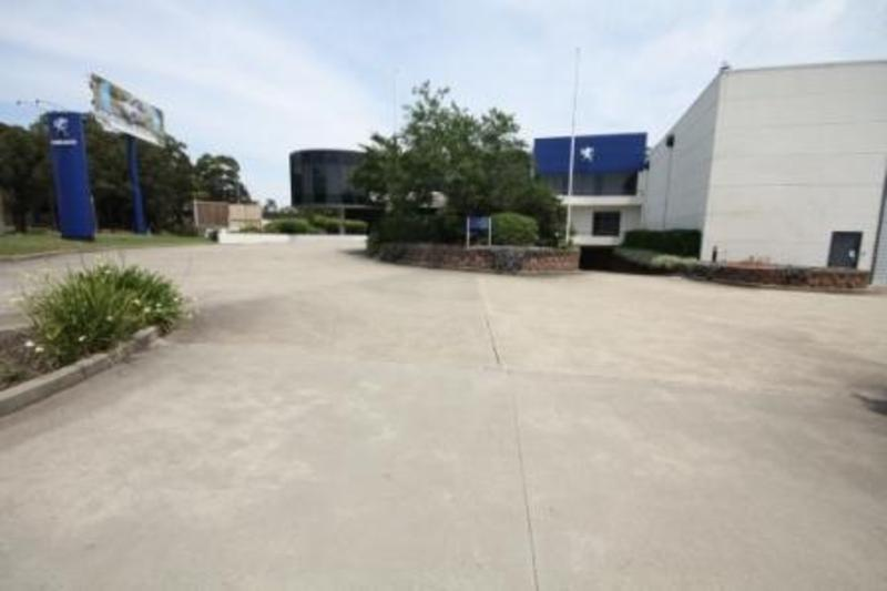 1,472m² - Quality Freestanding Facility Ideal for HQ!