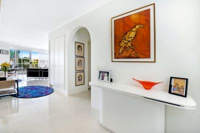 RENOVATED WATER-FRONT APARTMENT IN SOUGHT-AFTER LOCATION