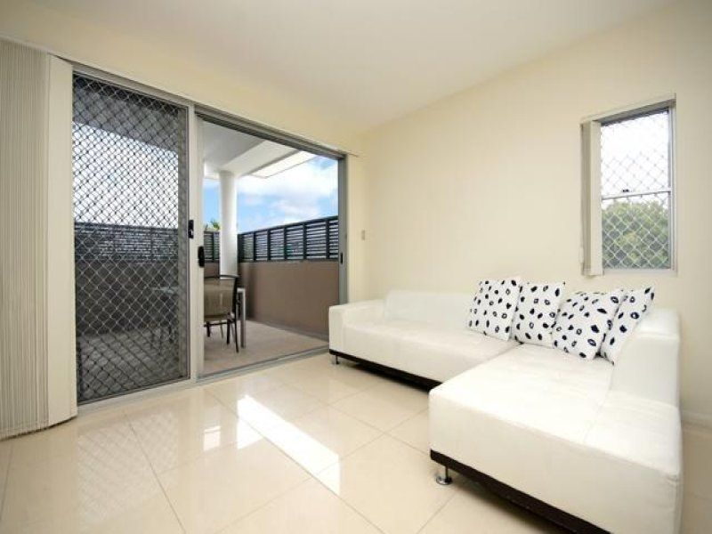 Outstanding location! Unfurnished 2 bedroom apartment!>