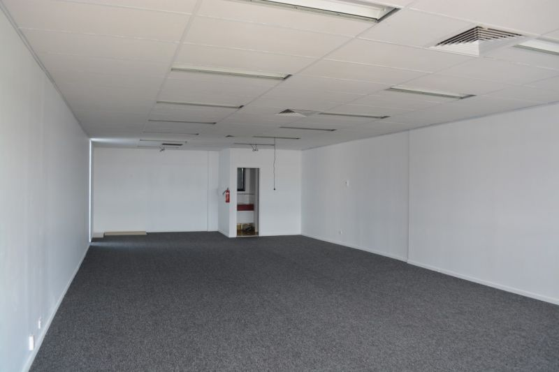 87m2 OFFICE SPACE WITH SECURE PARKING