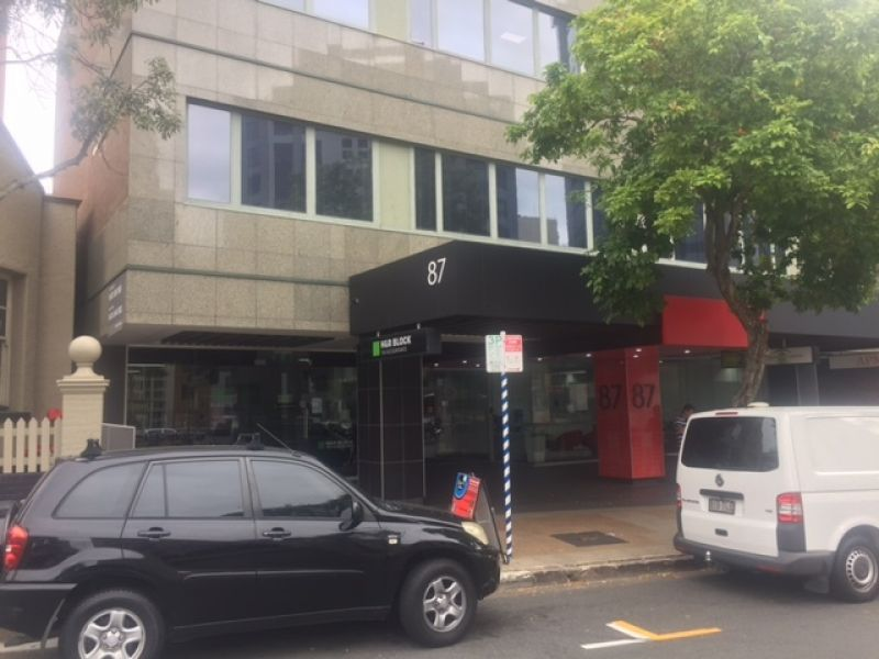 Large Office, Large kitchen - Convenient Location CBD Fringe